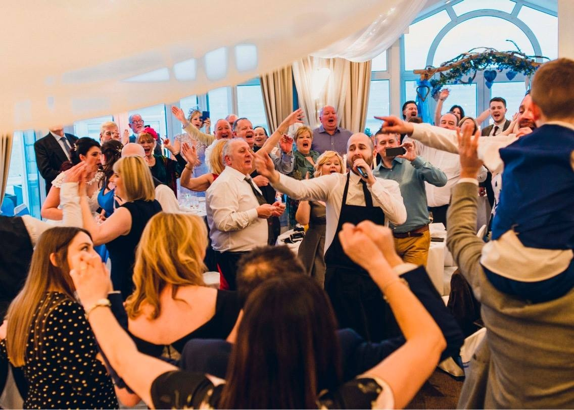 Best Singing Waiters UK